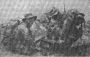 Рис.7 Командир разведгруппы докладывает о результатах разведки